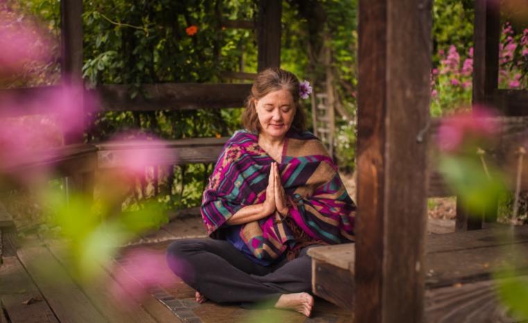 gazebo meditating